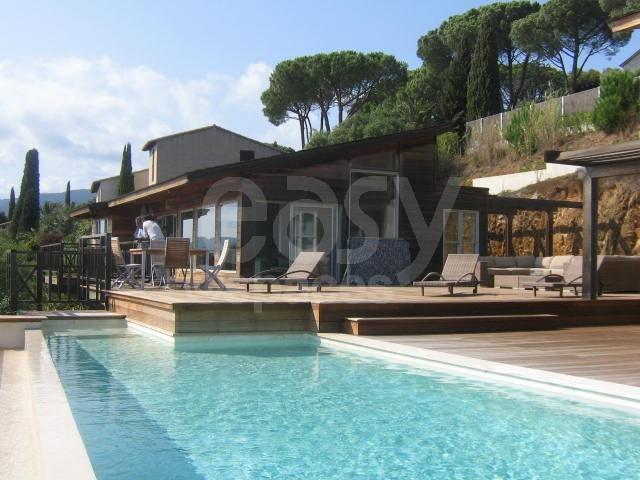 location maison en bois vue mer avec piscine